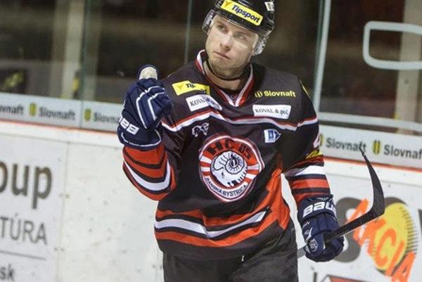 Tomáš Surový odohrá v Banskej Bystrici celú sezónu.