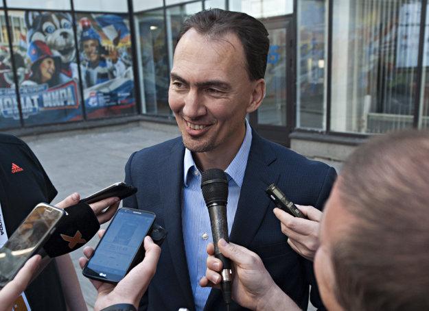 Miroslav Šatan ako generálny manažér Tímu Európy na Svetovom pohári sleduje osobne výkony jednotlivých hokejistov na šampionáte v Rusku.