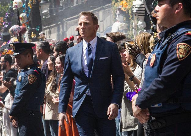 Nová misia vedie Jamesa Bonda do Mexika.