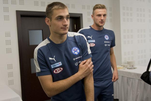 Matúš Bero (vľavo) a Milan Škriniar na zraze slovenskej futbalovej reprezentácie.