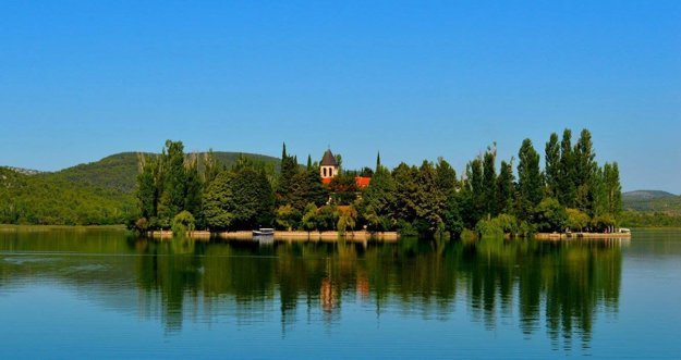 Ostrovček Visovac.