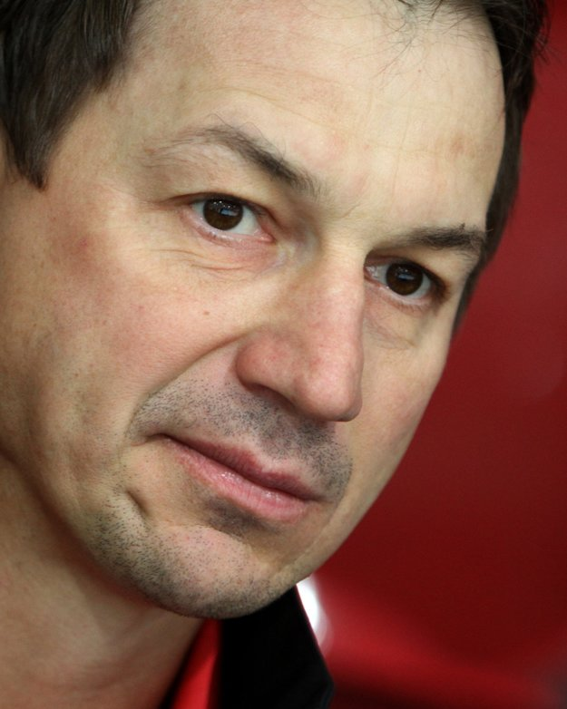 Peter Bondra je významnou osobnosťou slovenského hokeja.