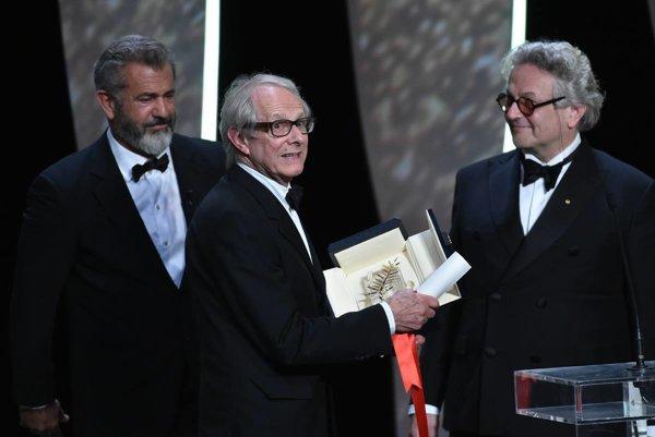 Víťaz Ken Loach. Cenu mu odovzdali Mel Gibson a predseda poroty George Miller.