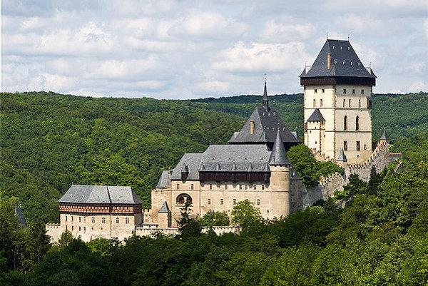 Dve pätiny Slovákov obľubujú výlety do Českej republiky.