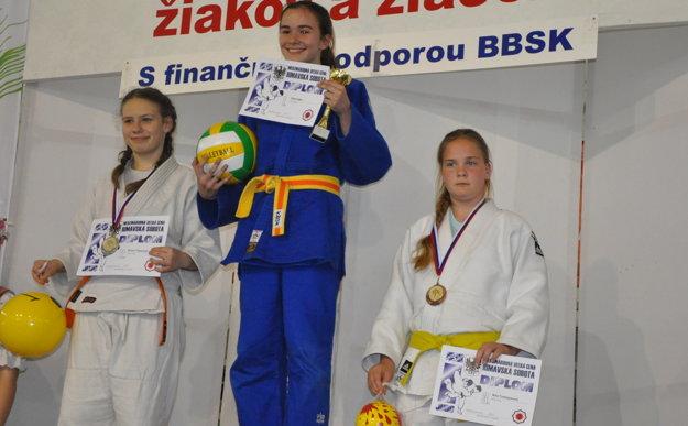 Nina Tonhajzerová - 3. miesto.