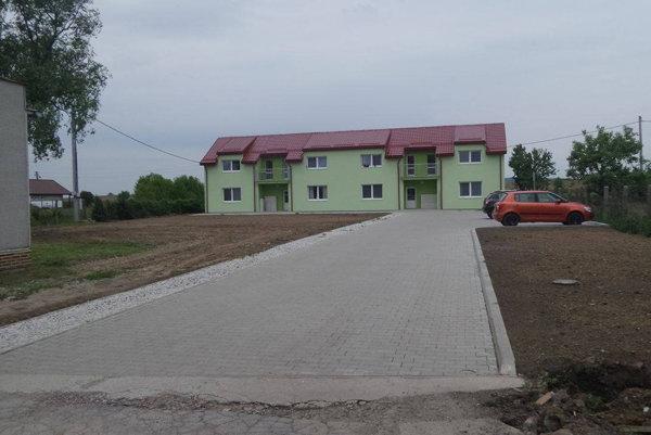 Nová bytovka v Sklabinej.