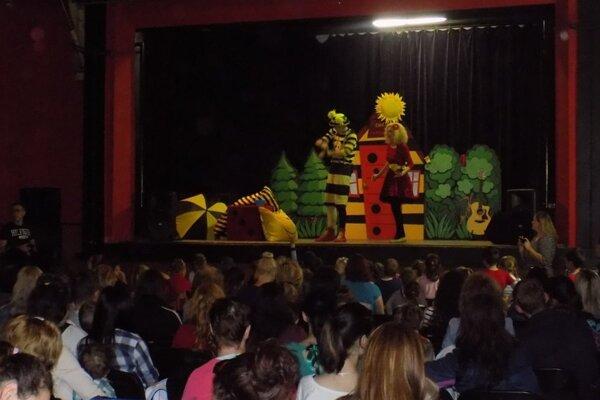V programe pre deti sa predstavili Smejko a Tanculienka.