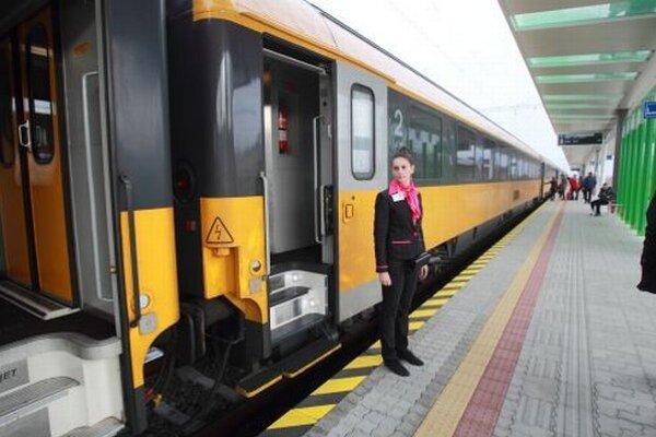 Žltý vlak bude jazdiť do Prahy každý deň.