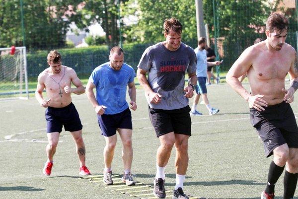 Sprava doľava Peter König, Branislav Mezei, Tibor Kutálek anový muž Frederik Šúry.