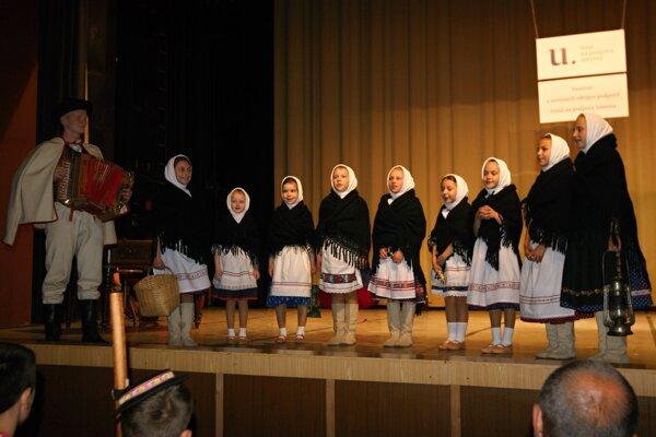 Dievčenská spevácka skupina Zornička z Klenovca