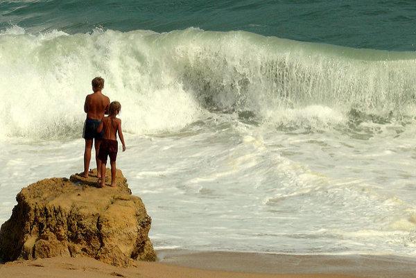 Portugalské Algarve láka turistov na pekné pláže.