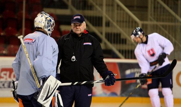 Vladimír Vůjtek v minulosti viedol aj slovenskú hokejovú reprezentáciu.