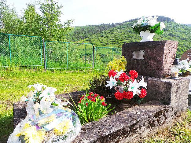 Hrob neznámym vojakom na cintoríne v Habovke.