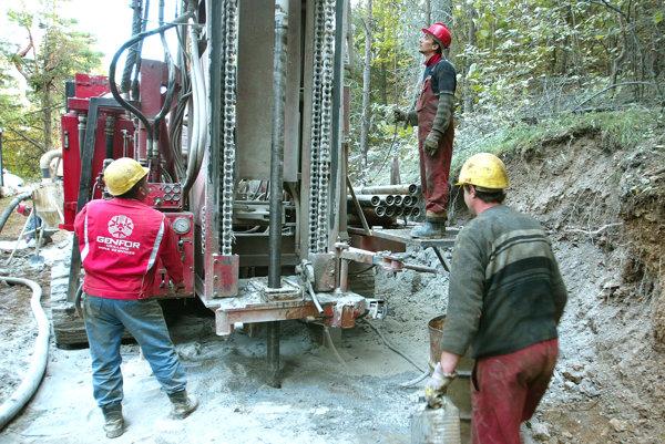 Spoločnosť chce v Novej Bani vykonať štyri prieskumné geologické vrty.
