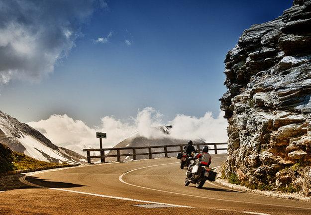 Alpská cesta ponúka množstvo krásnych výhľadov.