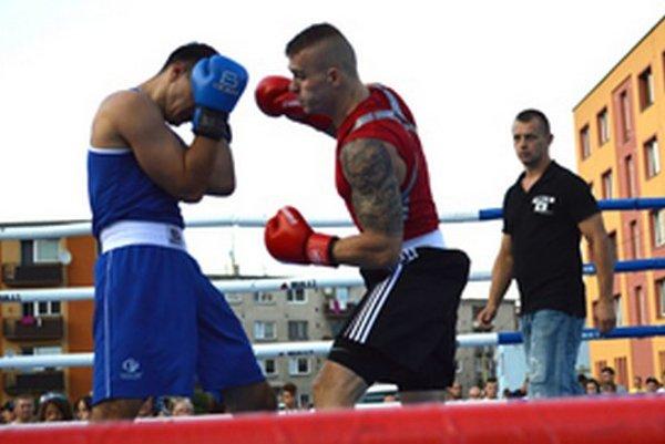 V Čadci sa predstaví aj slovenský reprezentant v boxe Michal Šurin (vpravo).