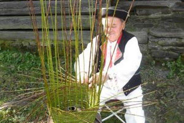 Medzi profesie, ktorými sa ľudia na Kysuciach živili, patrilo aj košikárstvo.