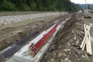 V októbri chcú reguláciu rieky Bystrica ukončiť.