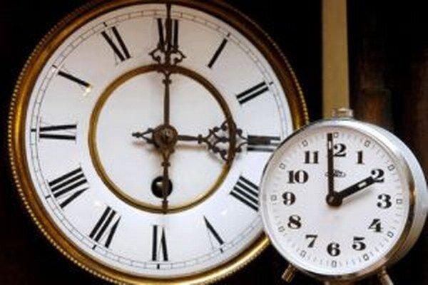 Čas sa mení na letný, nezabudnite si včas posunúť hodiny!