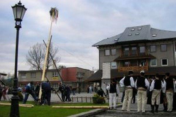 V kysuckých obciach má stavanie májov svoju tradíciu.