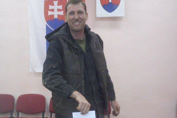 Pukančan Jozef Slosiar volil po celodennej práci.