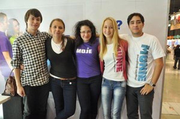 Vysokoškoláci v moravskom Brne. Natália (vpravo) s členmi študentskej rady.