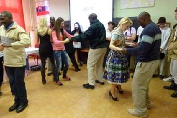 Učitelia z Kene spoznávali aj tradičnú slovenskú kultúru.