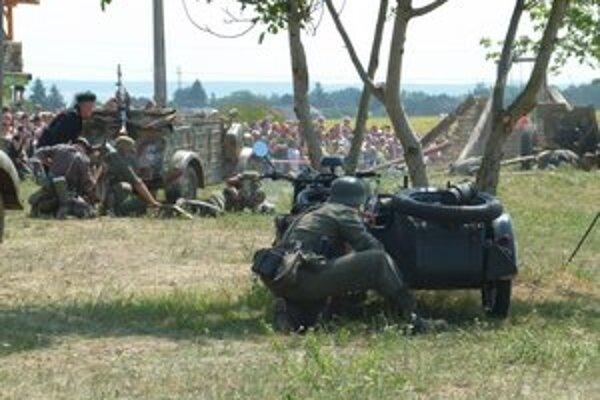 Bojové pole v Pohronskom Ruskove.