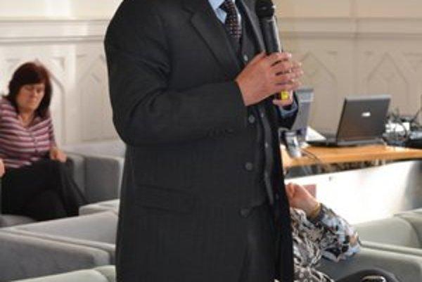 Alexander Bačík bude v Leviciach novým riaditeľom úradu práce.