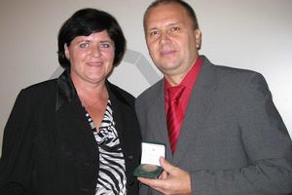 Ján Petrovič daroval krv stokrát. Získal Kňazovického medailu. Darkyňou bola aj jeho manželka.