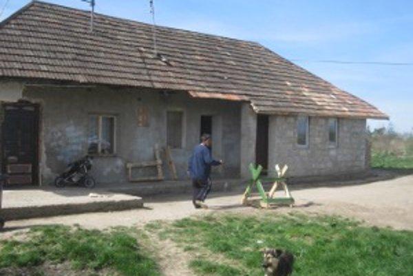 Večerná hygiena sa v rodinnom dome v Šarovciach skončila nešťastím.