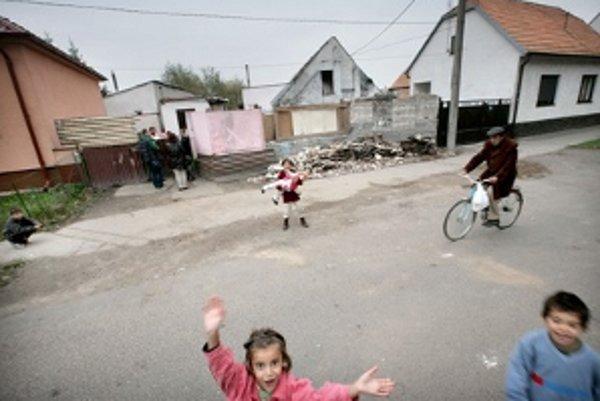 Neprispôsobivú rodinu, ktorá prišla o strechu nad hlavou, umiestnili na Hlbokú ulicu maximálne na 30 dní.