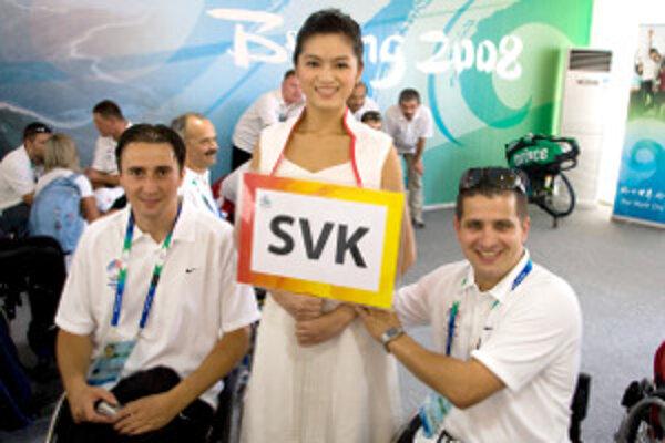 Peter Mihálik (vpravo) štartoval na paralympiáde v Pekingu 2008. Chcel by aj v Londýne.