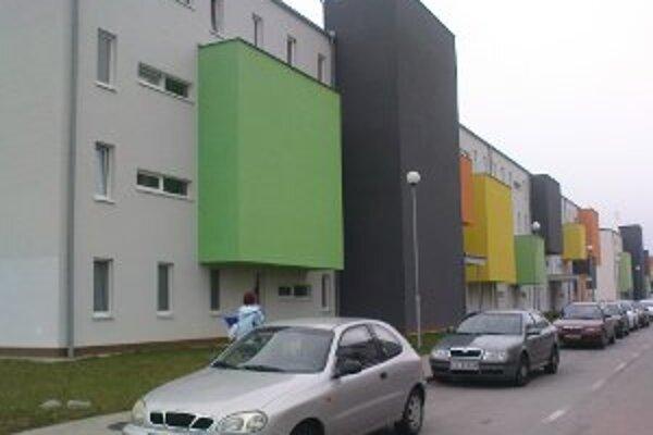 O byty sa žrebuje. Neskôr si ich majitelia môžu vymieňať.