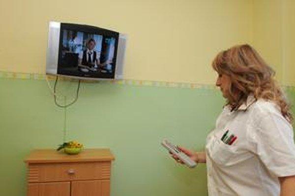 Pacient, ktorý si priplatí, má v nadštandardne vybavenej izbe aj televízor či pripojenie na internet.