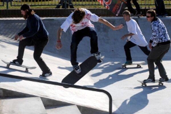 Vybudovanie skateparku v Malackách podporili občania aj petíciou.
