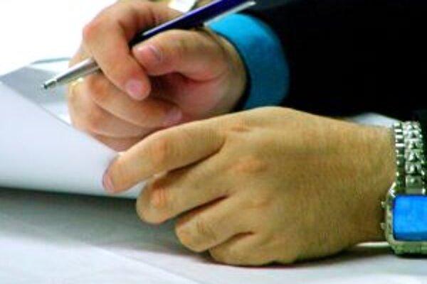 Bez zverejnenia na internete nebudú zmluvy účinné.