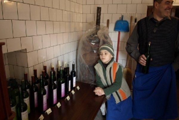 Návštevníci mohli ochutnať z viacerých druhov vín.