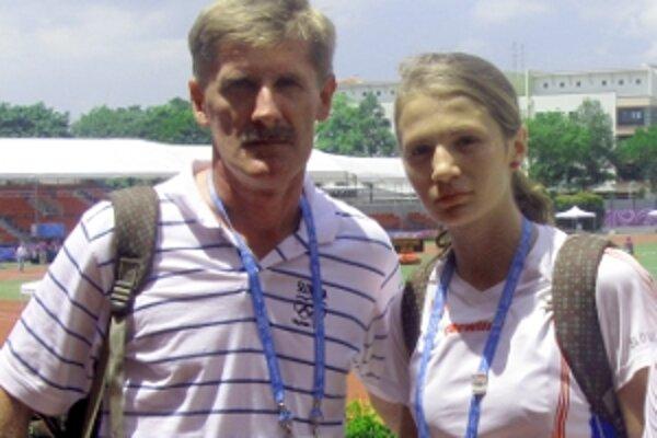 Tréner Vlado Handl so svojou zverenkyňou Claudiou Hladíkovou.
