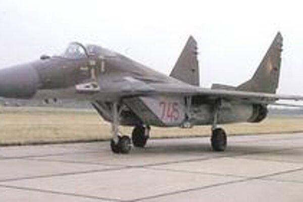 Mig 29 vo farbách bývalej východonemeckej armády.