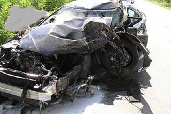 Auto moderátor celkom zničil, chlapec zrážku neprežil.