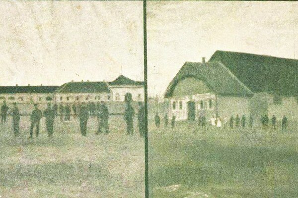 Kasárne a jazdiareň na historickej fotografii.