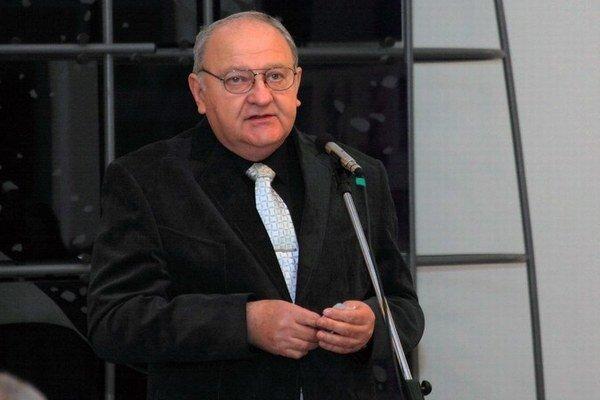 Miroslav Majerčík na vernisáži svojej výstavy.