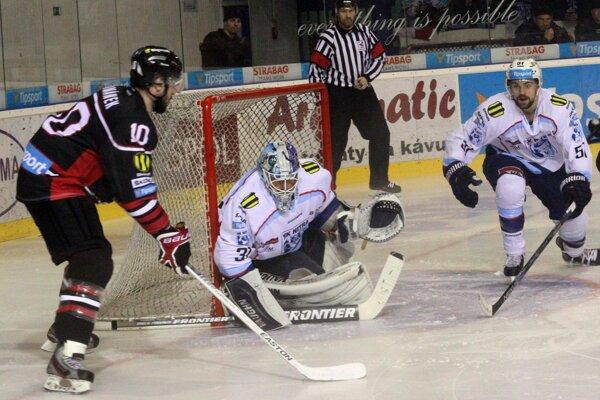 Hokejisti Nitry odštartujú novú sezónu súbojom s Banskou Bystricou, ich finálovým súperom z aprílového play-off.