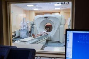 Niekdajšie piešťanské CT. Nemocnica má už nové. Kúpila ho v hromadnom tendri organizovanom ministerstvom zdravotníctva za exministra Tomáša Druckera (nominant Smeru)