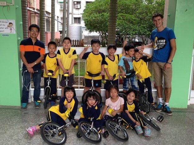 Jednokolková škola v Ázii.