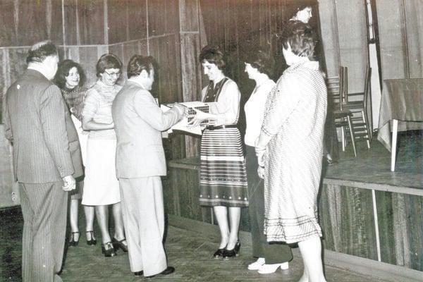 Víťazka získala krištáľové poháre, šálky alebo knihu.