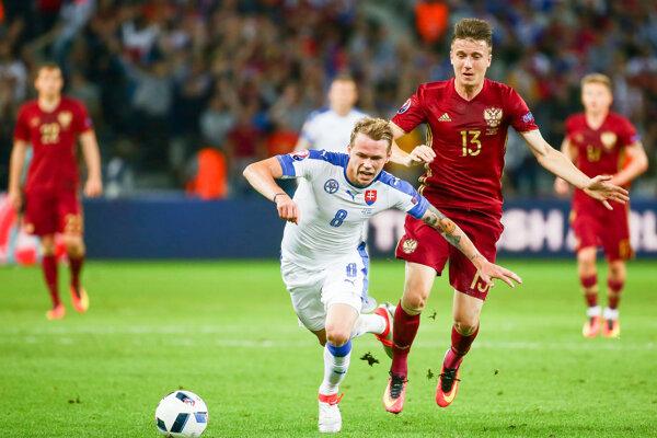 Ondrej Duda (s číslom 8) v dvoch zápasoch na majstrovstvách Európy nastúpil v základnej zostave.