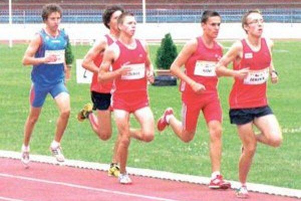 Trojstretnutie dorastencov CZE-HUN-SVK bolo vrcholom atletickej sezóny.