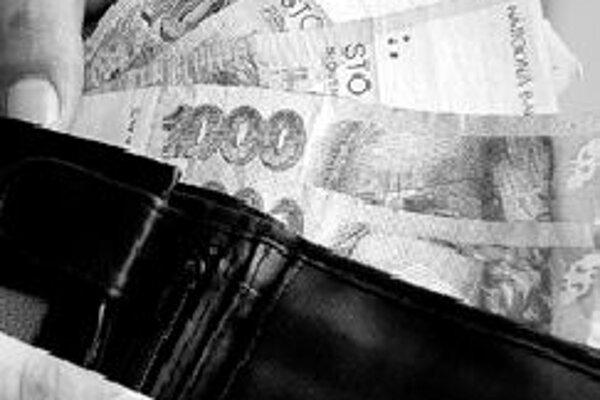 Slovenská korunaSlovenská koruna v uplynulom týždni lámala rekordy. V utorok dostala ďalší impulz na posilňovanie, keď Štatistický úrad zverejnil údaj o hrubom domácom produkte za minulý rok. Výsledok bol mimoriadne priaznivý. Slovenská ekonomika vzrást